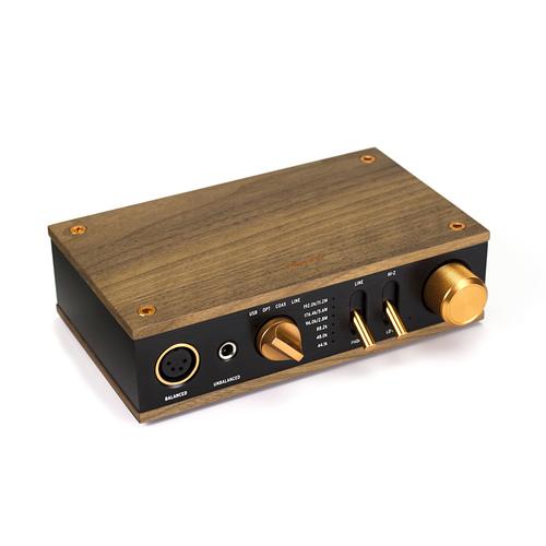 Heritage-Headphone-Amplifier_Front