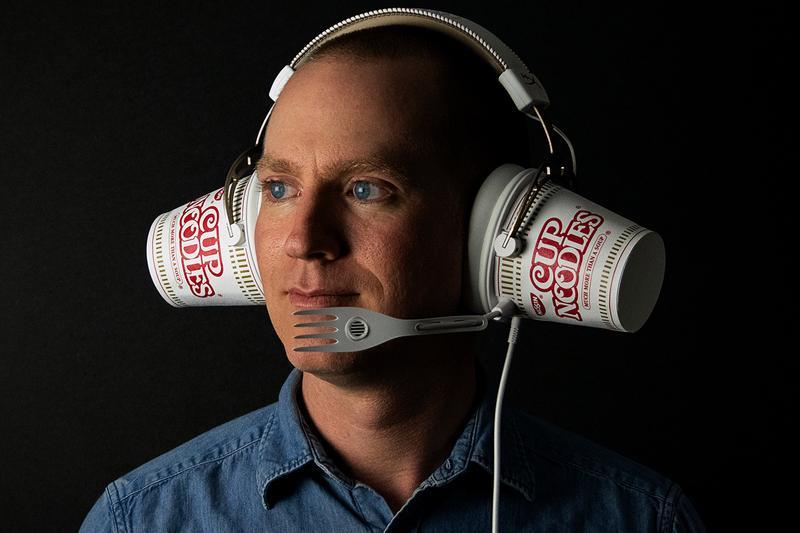 https___hypebeast.com_image_2019_03_nissin-x-hyperx-cup-noodle-headphones-002